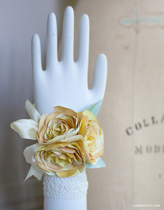 DIY Corsage with Ranunculus
