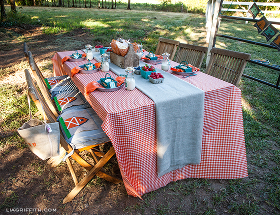 Farm Party Dining Table