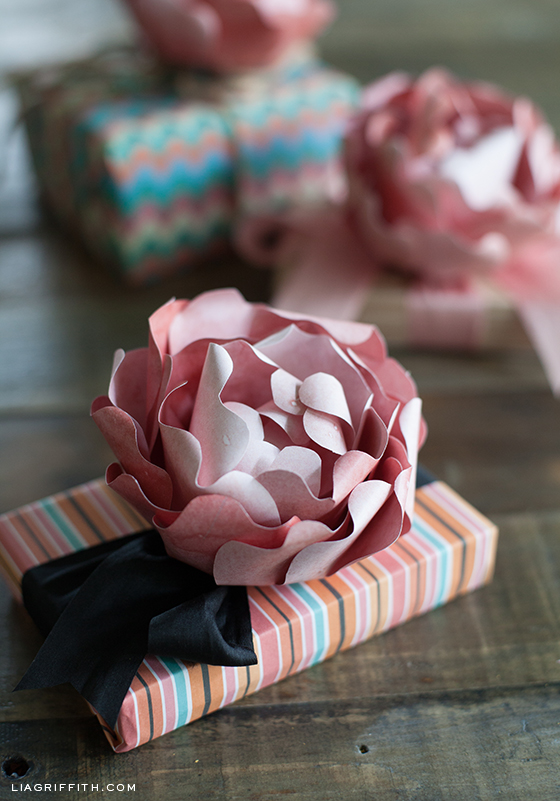 Paper Peony Gift Topper