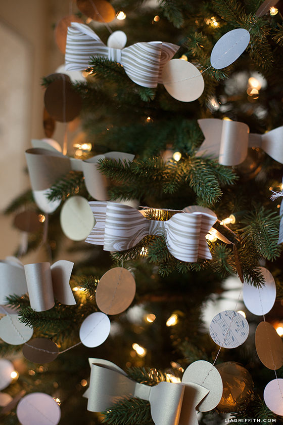 Paper Bow Tree Decoratons