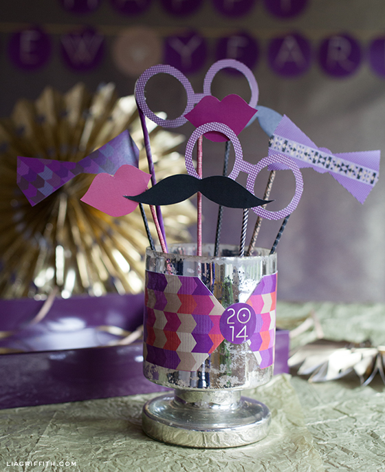 diy photo props for new year's
