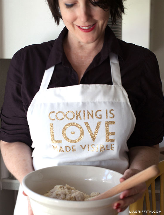 DIY Personalized Cooking Apron