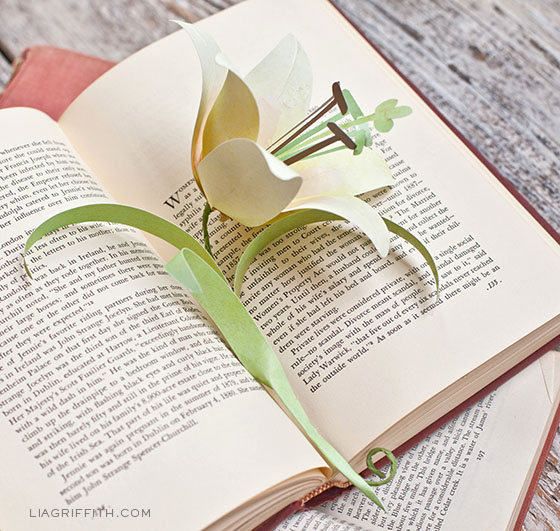 DIY Paper Easter Lily