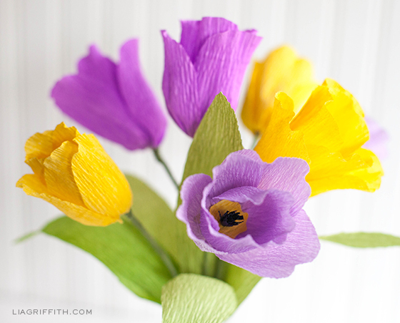 Make-Crepe-Paper-Tulips