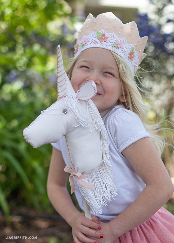 DIY felt stick unicorn horse