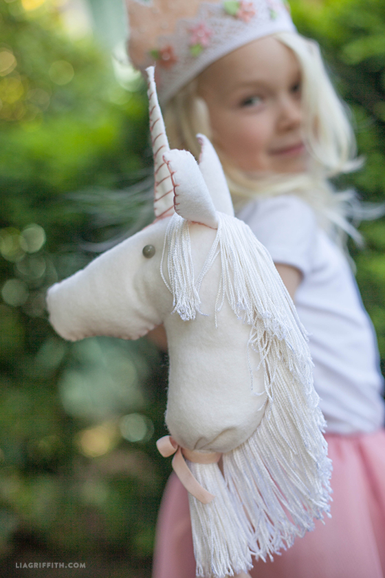 DIY unicorn horse