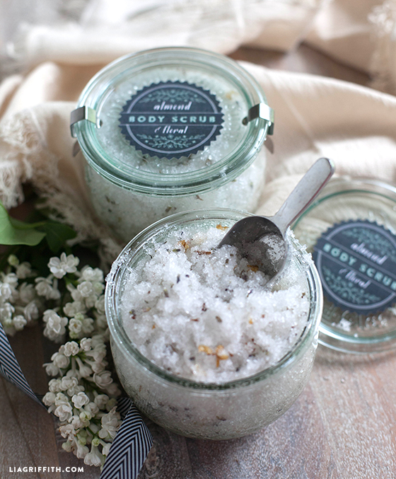 Almond_Floral_Body_Scrub