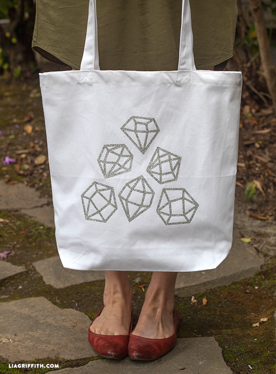 Cute DIY tote bag for you to make