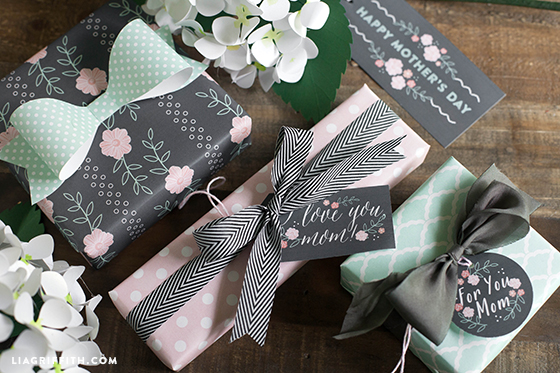 Printable mother's day wrapping paper