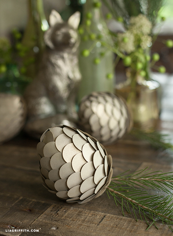 DIY_Metallic_Pinecones