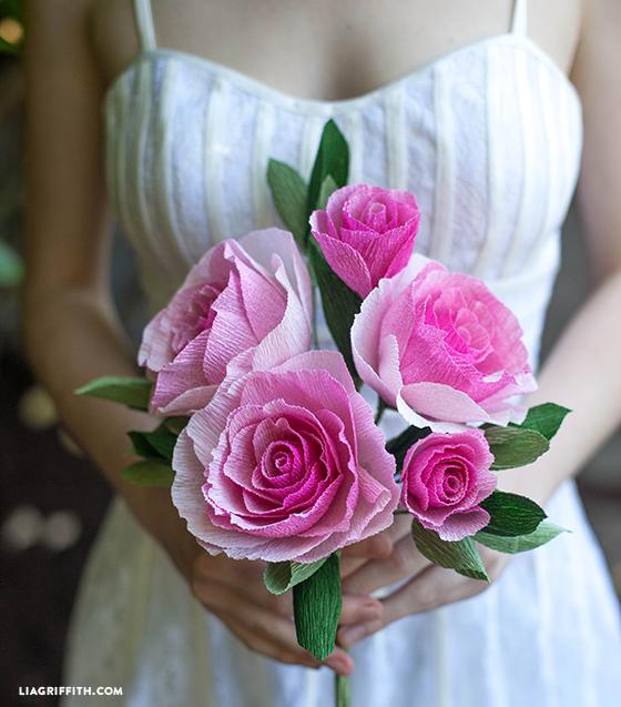 Ombre_Crepe_Paper_Rose_Bouquet