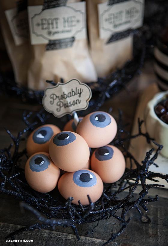 Halloween_Party_Eyeball_eggs