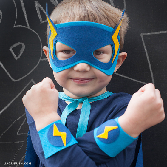 Lightning_Superhero_Costume_DIY
