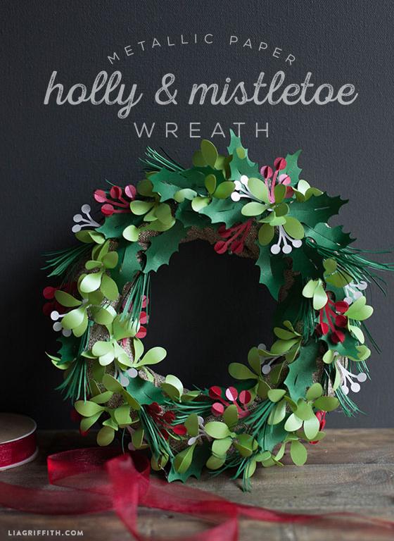 Holly_Mistletoe_DIY_Wreath