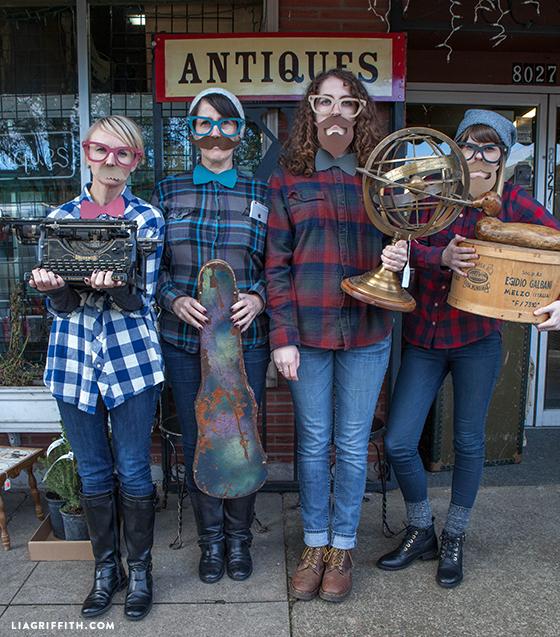 Portlandia_Antiques_Photo_Props