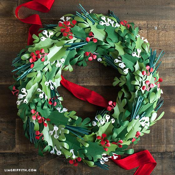 Christmas_Paper_Wreath_DIY