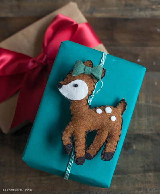 Felt_Deer_Gift_Topper
