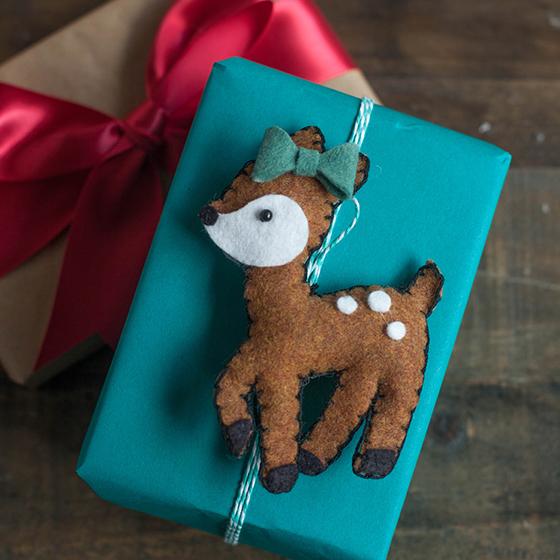 Felt Deer gift topper