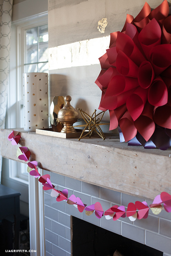 DIY_Paper_Heart_Garland