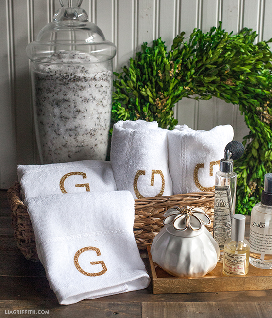 Hand_Towels_Monogram_DIY
