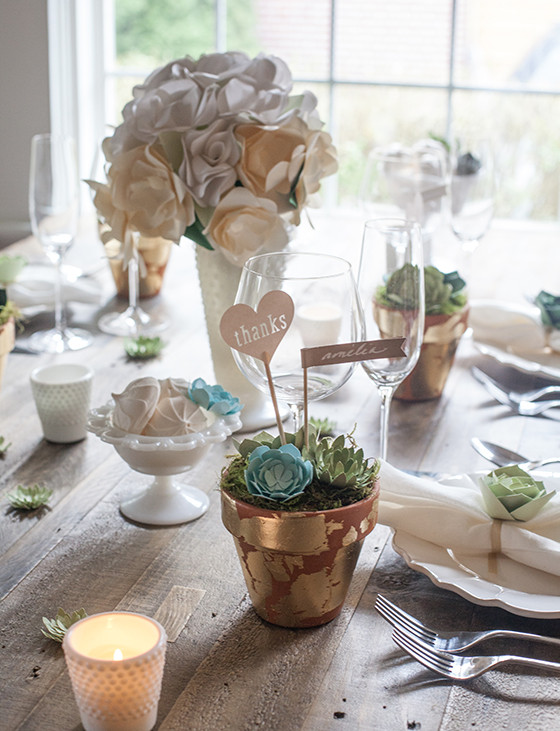 DIY_Wedding_Decor_Paper_Succulents