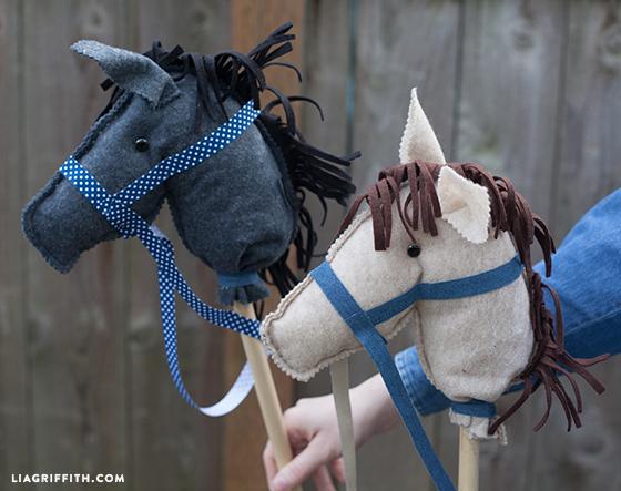 Felt_Stick_Horses_DIY