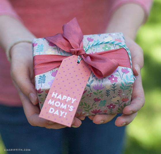 Printable_Gift_Wrap_Tags