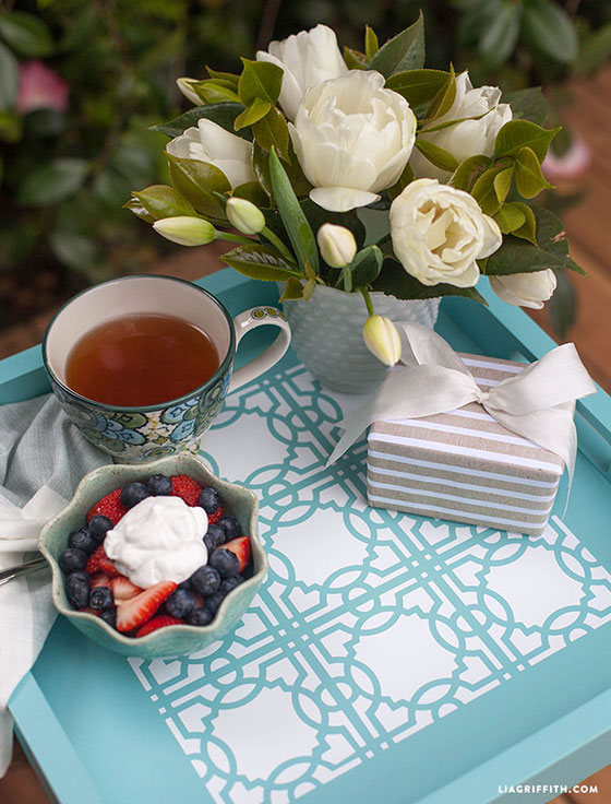 Stenciled_Tray_Mothers_Day