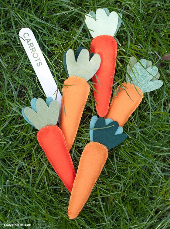 DIY_Felt_Carrots