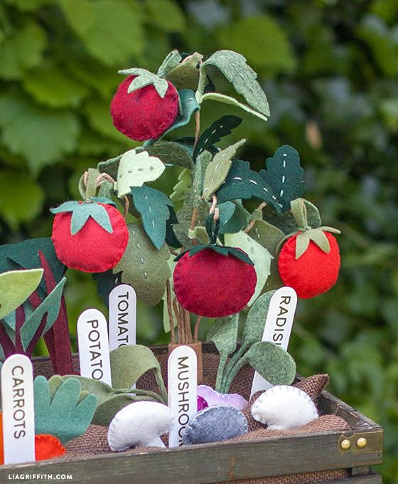 DIY_Felt_Tomato_Plants