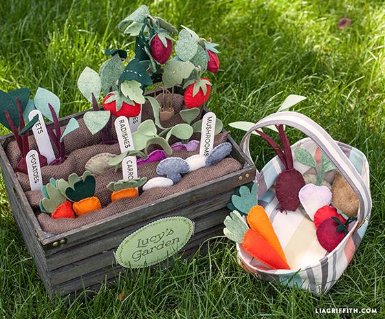 Felt_Vegetabpe_Garden_For_Kids_DIY
