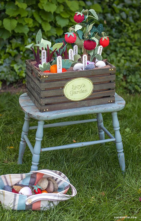 Garden_Box_Felt_Veggies_Diy