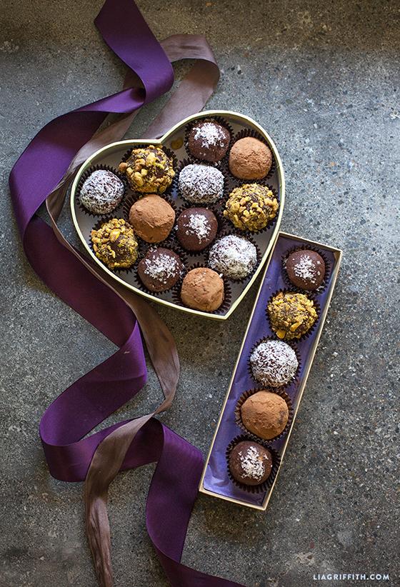 Homemade_Paleo_Chocolate_Bliss_Balls