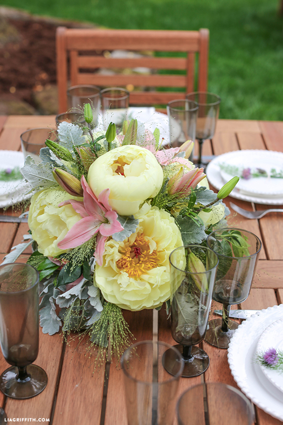 Table_Setting_Outdoors