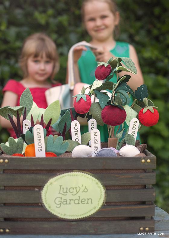 Veggie_Garden_Made_From_Felt
