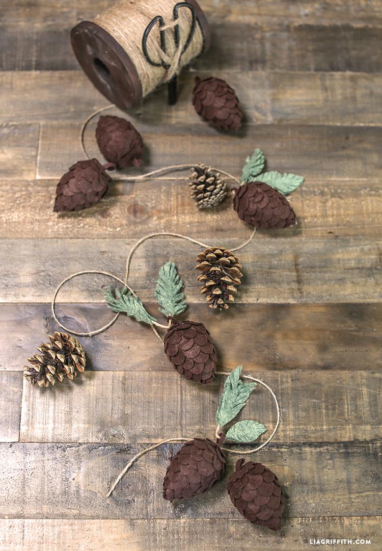 Pine_Cones_Felt_Foam_DIY
