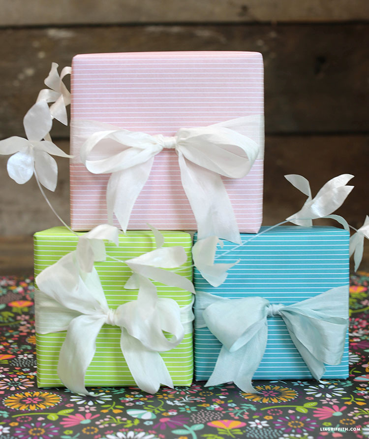 Blue_Pink_Green_Gift_Wrap
