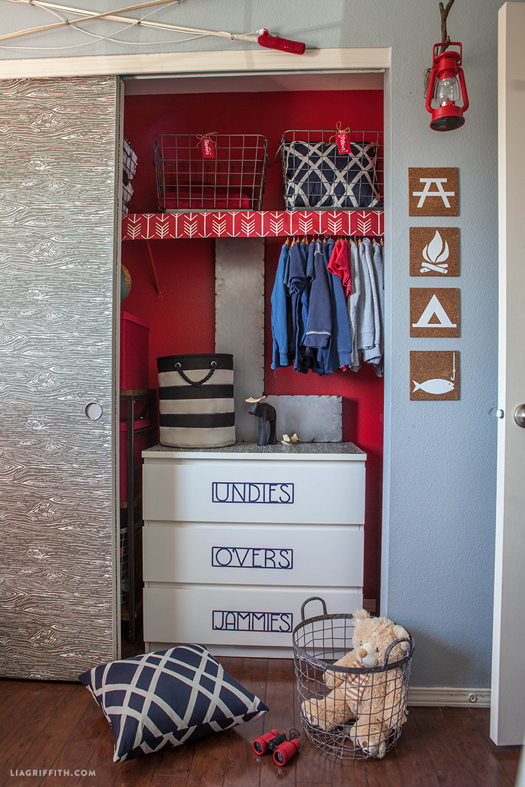 Camping_Room_Closet