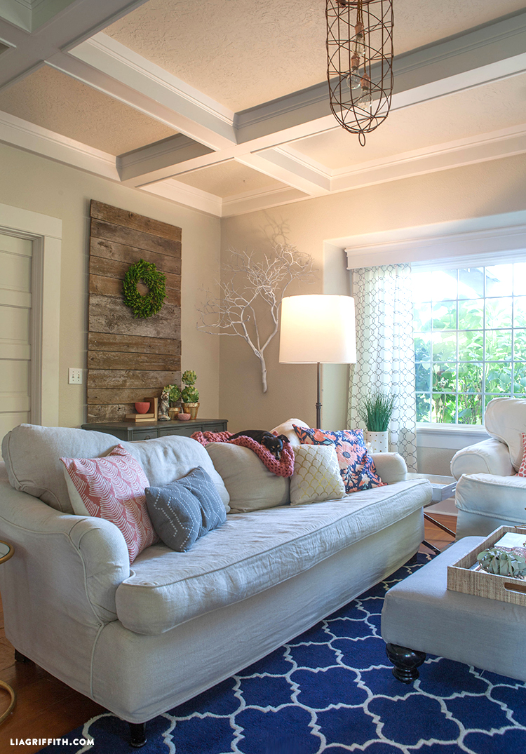 Coral_Living_Room_Summer
