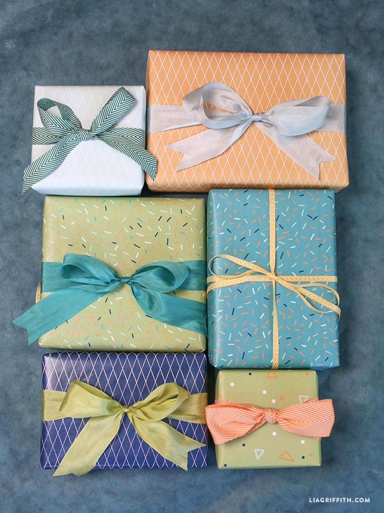 Green_Blue_Birthday_Gift_Wrap
