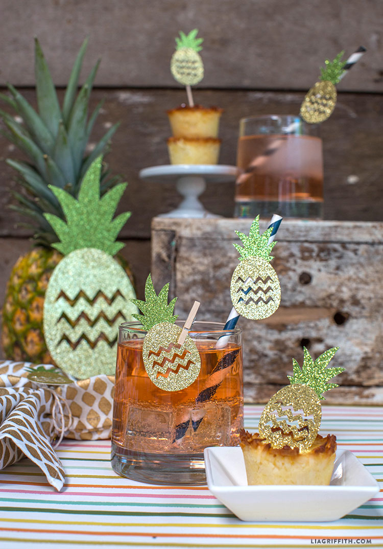 Luau_Pineapple_Party_Decorations