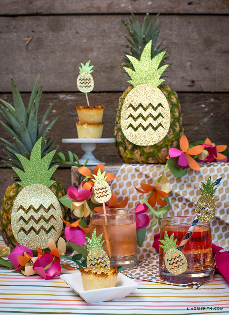 Pineapple_Luau_Party_Decorations