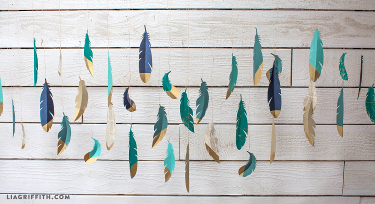 Garland_Paper_Feathers_Gold_Dipped