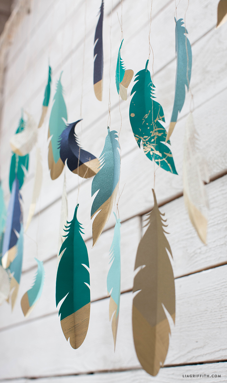 Gold_Dipped_Paper_Feather_Garland