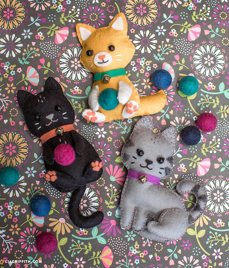 Handmade_Felt_Kittens