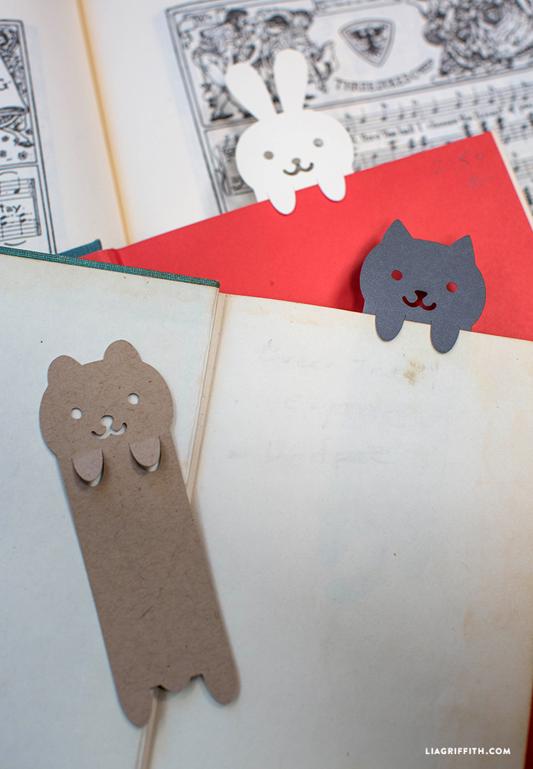 Paper_Cut_Animal_Bookmarks