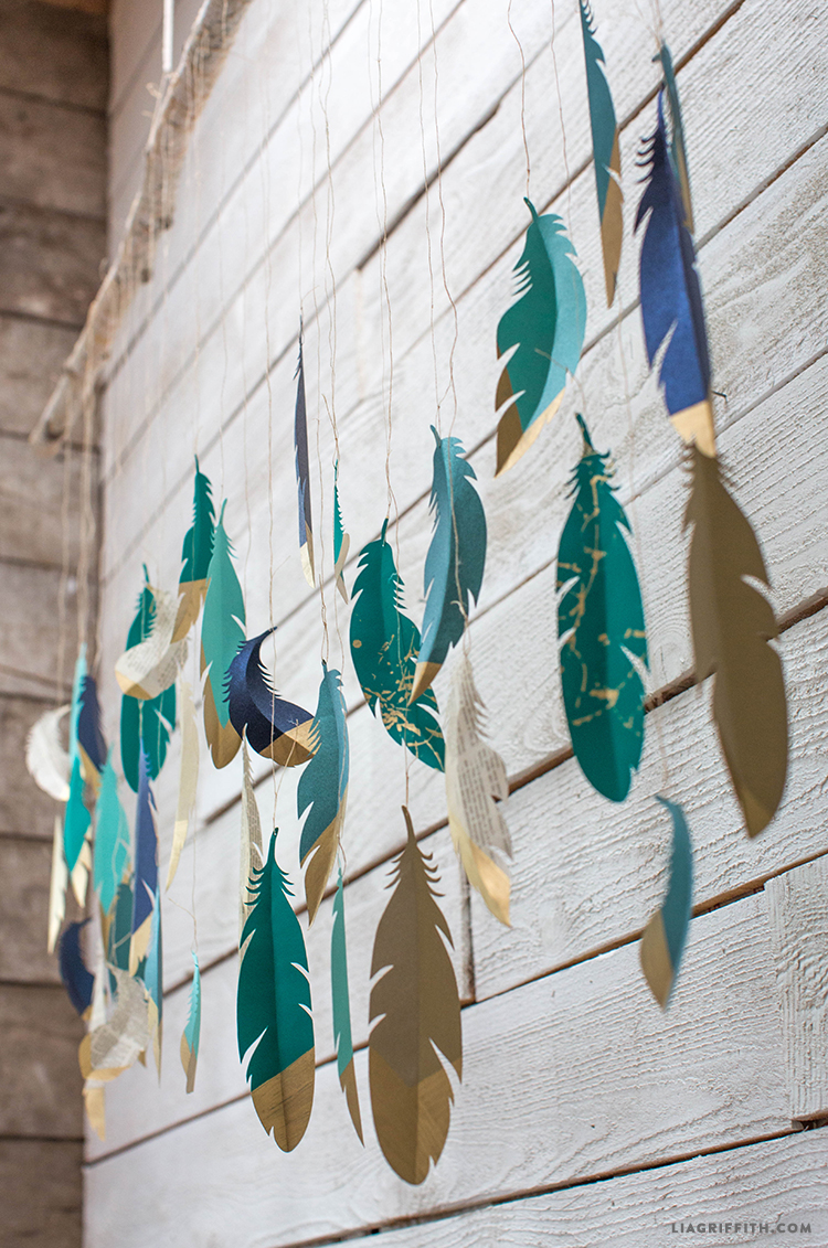Paper_Feather_Garland_Gold_Dipped