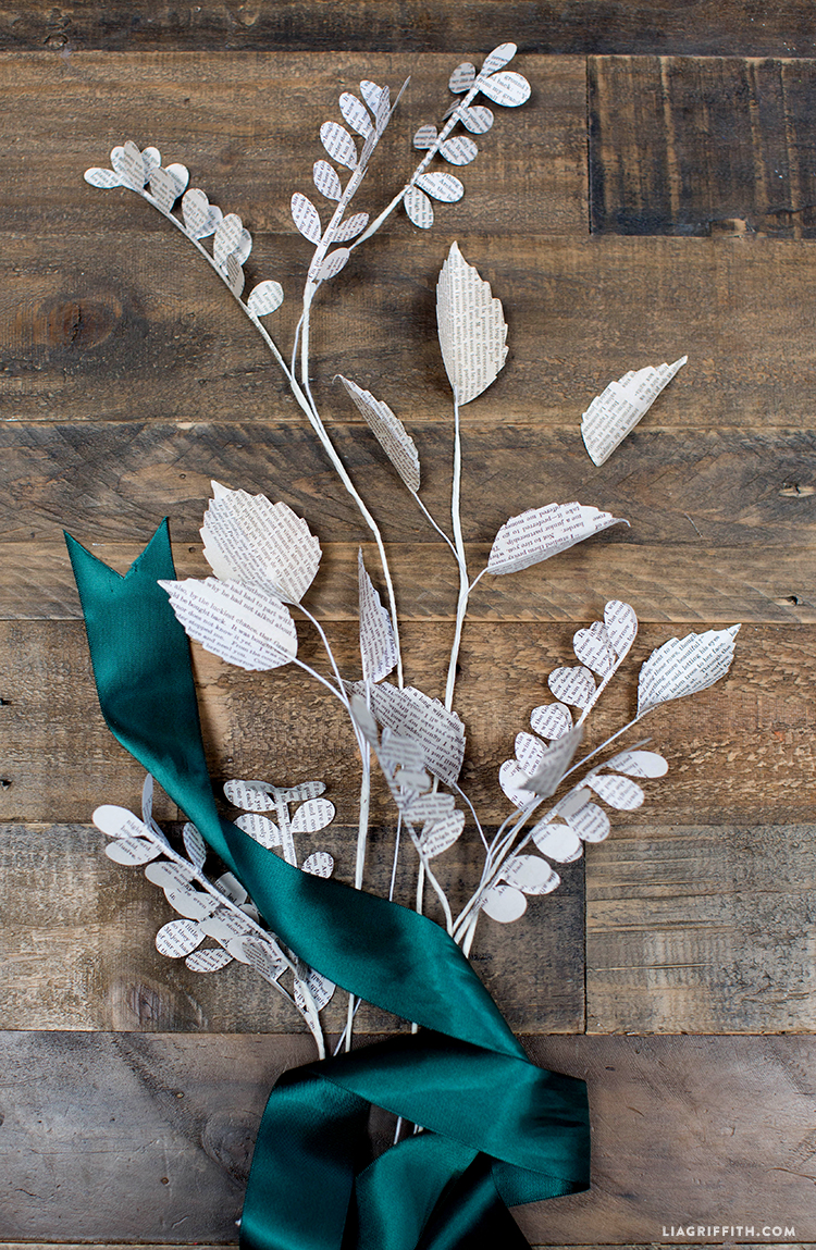 Paper_Leaves_Book_Pages