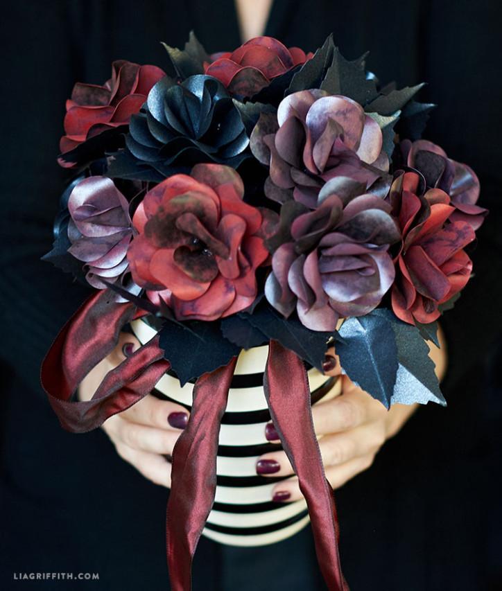 Black_Rose_Paper_Bouquet_Arrangement_Halloween