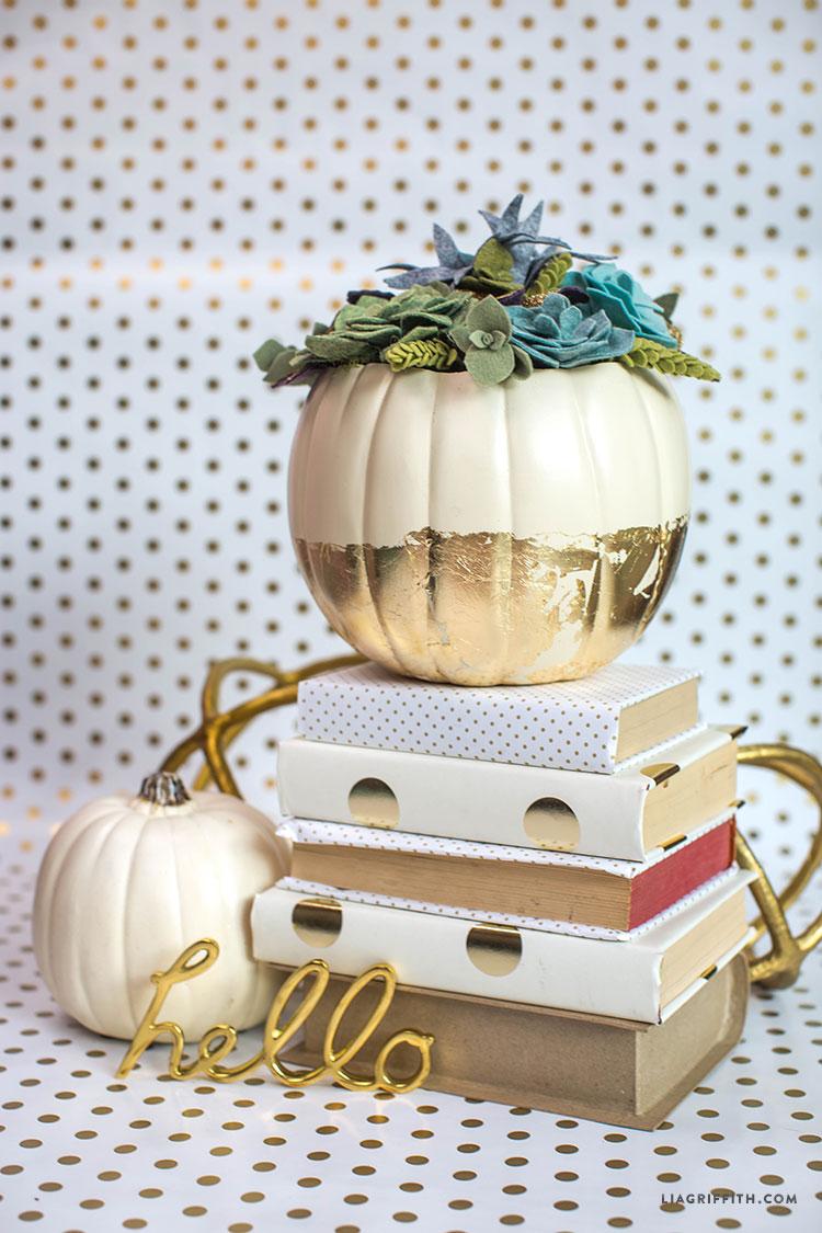 Felt_Pumpkin_Succulent_Centerpiece